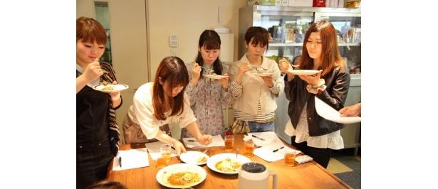 試食会の風景。CoCo壱番屋本社にて。