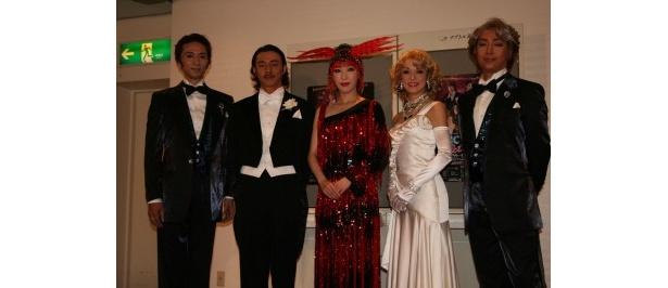 ミュージカル「ビクター・ビクトリア」に出演する岡幸二郎、葛山信吾、貴城けい、彩吹真央、下村尊則(写真左から)