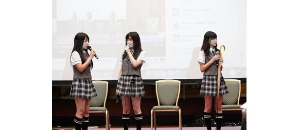 NMB48の3人(左から山田菜々、山本彩、渡辺美優紀)が「300 DOORS」の公開講座に挑戦!