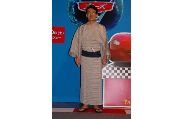 ワールド・グランプリの実況を行うダレル・カートリップの声を務めた福澤朗