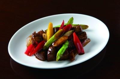 茗圃(ミョウホ)の、飛騨牛と彩り野菜の炒め(2480円)