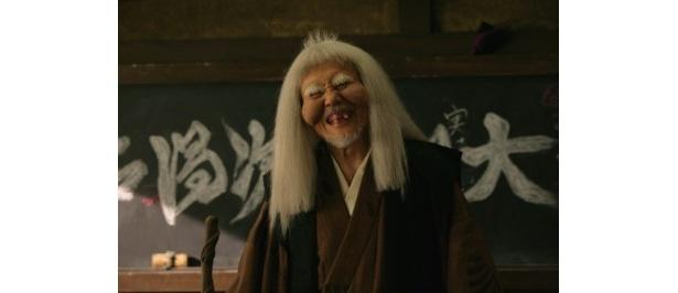 一瞬誰!?と目を疑う。忍術学園の学園長先生・大川平次渦正役の平幹二朗