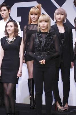 日本デビュー&ツアーを控える2NE1のメンバー