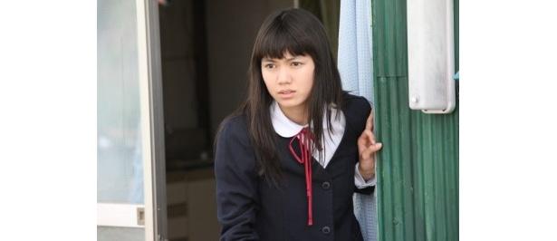 とても複雑な心情を持った女子中学生・茶沢景子を演じる二階堂ふみ