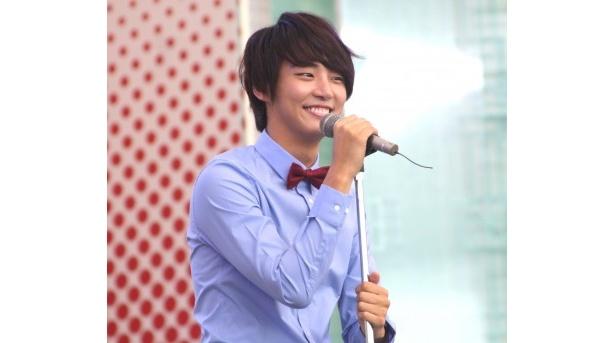 シユンはドラマのイメージソング「ひとつ星」を日本語で歌い上げた