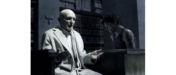 昨年5月に他界したデニス・ホッパー出演の『パレルモ・シューティング』