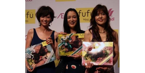 「美胸大賞」を受賞した辺見えみり、国生さゆり、石野真子(写真左から)