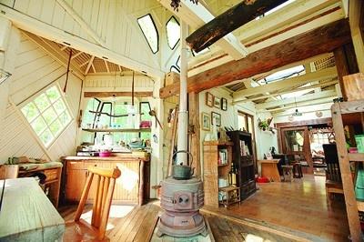 天井にはタマゴパックを使用