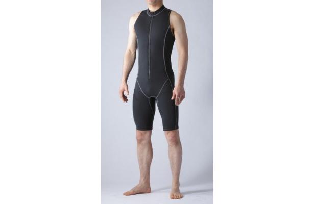 【画像】浮力の秘密は!? 楽しい泳ぎをサポートするハイテク水着の画像はこちら