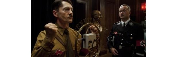 ヒトラー率いるナチス政権のもとでユダヤ人に対する大量虐殺が行われた
