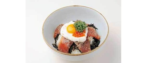 レストラン「オーシャン」の名物・シーワール丼1400円