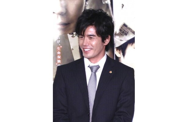 保険金を巡り、人間模様を描くドラマ「ラストマネー」の会見が行われ伊藤英明、KAT-TUNの中丸雄一、高島礼子が出席した