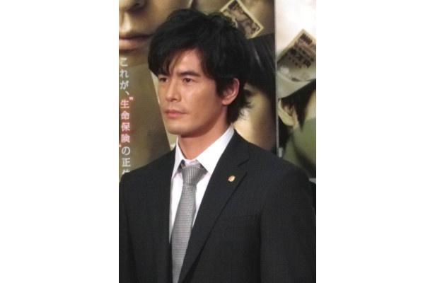 伊藤は演じる向島を「感情を捨てて査定する冷徹な役です」と分析