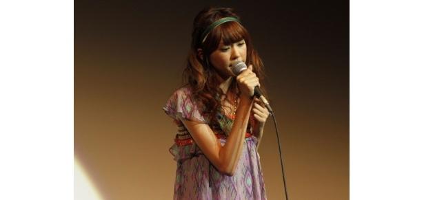 【写真】『スノーフレーク』の挿入歌「サヨナラまでのあいだ」を初披露する桐谷