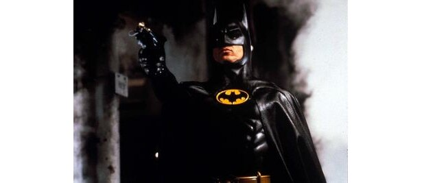 10位は『バットマン』。監督はティム・バートン、バットマンはマイケル・キートンが演じている