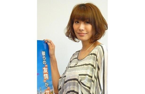 『カーズ2』日本語吹替版で若き女スパイ、ホリー・シフトウェルの声を演じた朴ロ美