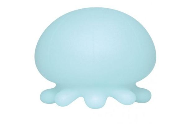 【写真を見る】ブルーのクラゲには、心を落ち着かせる効果があるとか