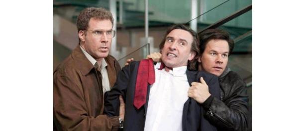 ダメ刑事コンビが逮捕したのは大物投資家のアーション(中)。ところがこの逮捕劇が思わぬ事態を引き起こすことに