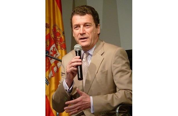 スペイン大使のミゲル・アンヘル・ナバーロ・ポルテラ閣下