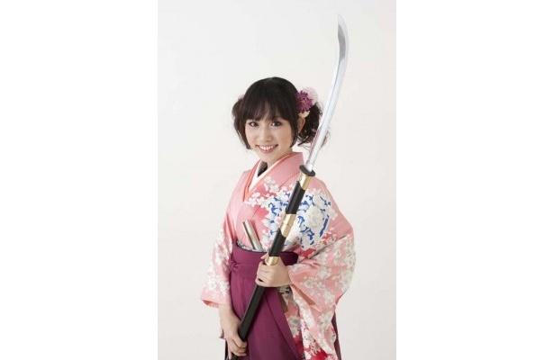 江●市の娘。浅井三姉妹の一人であり、徳川家光の母/あいち戦国姫隊のアイドル担当で、みんなの妹的存在。裁縫が得意