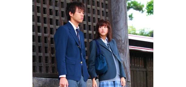 桐谷が演じるのは高校生の歌人・嘉瀬志摩役で、ほのかな恋心を寄せる幼なじみの航大と旅に出る