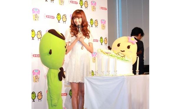 「はるさめシリーズ」発売10周年を祝う誕生会を開催
