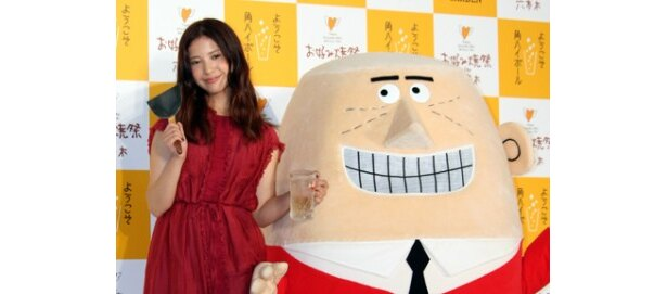 「HIGHBALL GARDEN お好み焼き祭 IN 六本木」オープニングイベントに登場した吉高由里子