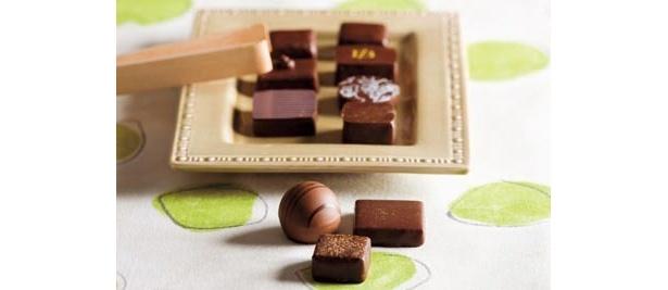 夢の限定品「M.O.F.ショコラティエ セレクション BOX」(10個入り、4200円)