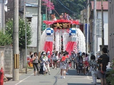【写真】陸前高田市の伝統的な祭り、うごく七夕まつり。七夕の飾りつけをした山車で市内を練り歩くのがならわし(写真は昨年の模様)