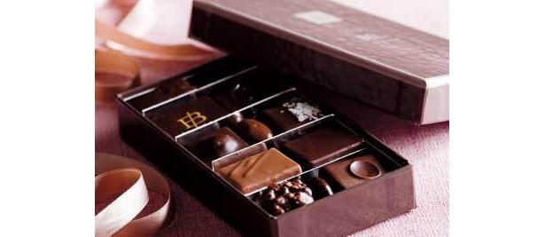 シンプルで味わい深いフィリップ・ベル「ショコラ詰合せ」12個入3885円