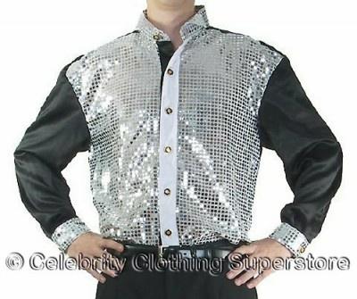 前面部、襟、手首部分に銀スパンコールを施した豪華なシャツも販売
