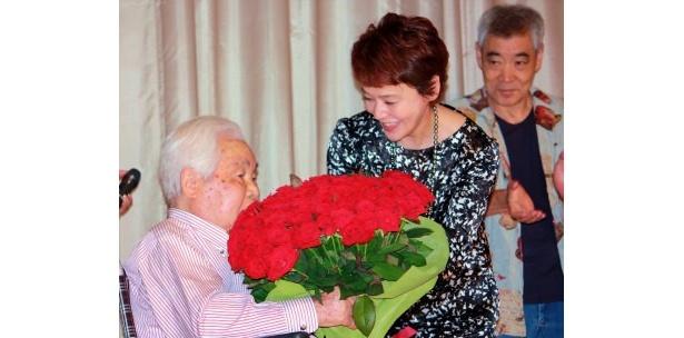 99歳の新藤兼人が監督人生最後作品で舞台挨拶