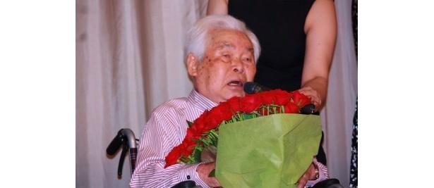 力強くスピーチをした新藤兼人監督