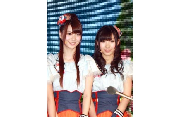 菊地あやか(写真左)と岩佐美咲(写真右)