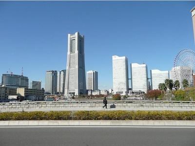 東日本で最も高い超高層ビルの「横浜ランドマークタワー」