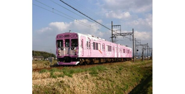 忍者の故郷・伊賀を走るのは、くノ一列車。松本零士のデザインがインパクト大!
