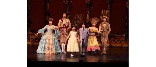 プリンセスやプリンスにふさわしい服装を用意して、舞台に上がろう