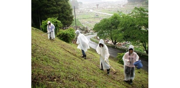 WEBサイト「東日本大震災 支援ボランティアレポート」は、東日本大震災における被災現場の状況をより多くの方に理解してもらうため、また復興を祈願して運営中