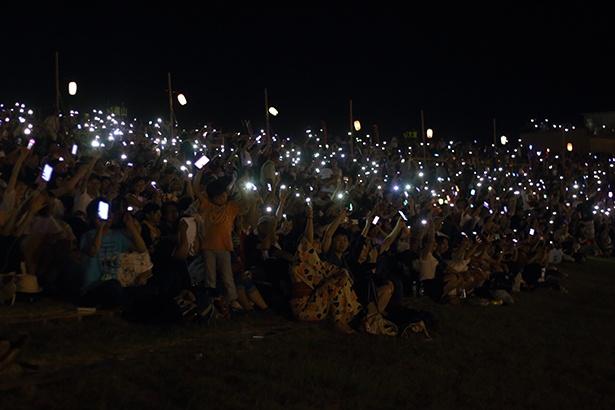 【写真】手持ちのスマートフォンで参加可能!「感謝とエールの光」を送ってみよう