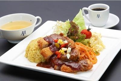 「トルコライスセット」(スープ・コーヒー付 税込1600円)