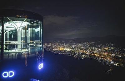 スロープカーと長崎の夜景