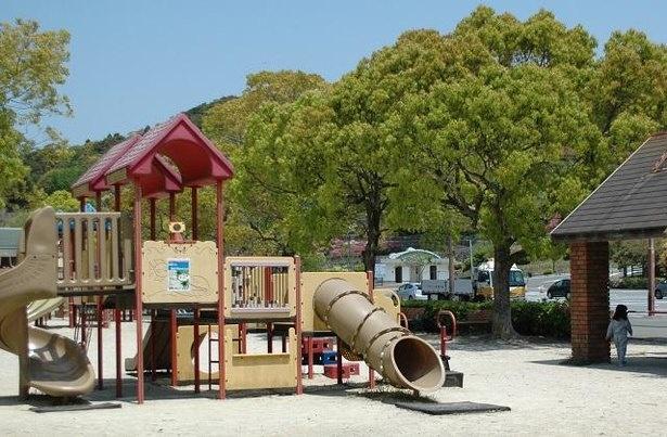 稲佐山公園には遊具もあるので子連れにぴったり