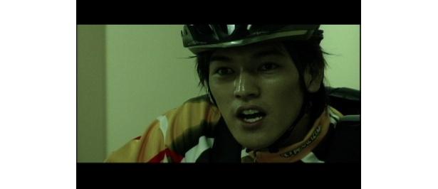「THE SECRET SHOW」自転車便の堀田が、TV番組の司会者への忘れ物を届ける依頼を受ける。「〜for Boys」に収録