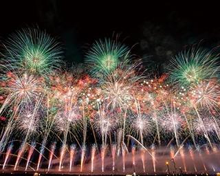 今年はおうちで花火鑑賞!腕利きの花火師たちが技を競い合う「全国花火競技大会『大曲の花火』」の特別動画を期間限定で配信中!