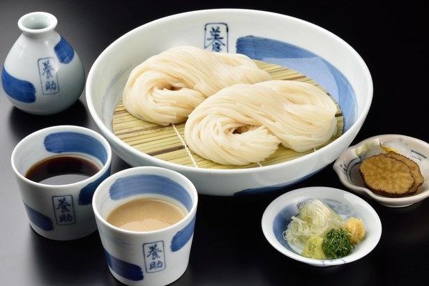 稲庭うどんは、雪深い寒冷地・秋田の保存食として古くから食べられてきた郷土料理
