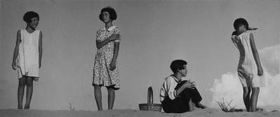 【写真】戦前の代表作《少女四態》(1939年)/植田正治