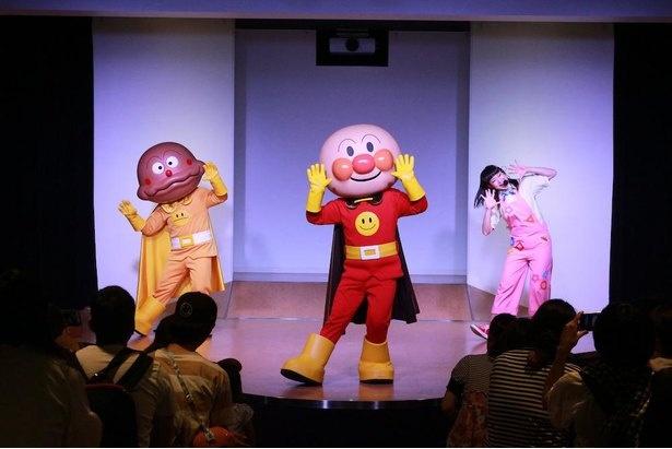 毎日開催されるアンパンマンのステージショー