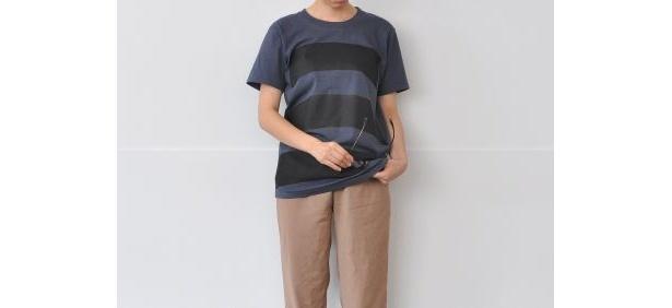 携帯やメガネを拭くのに適した「wipe T shirt」(各6300円/全2種)