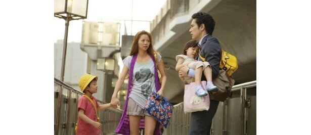 シングルマザーの二谷ゆかり役で香里奈も出演