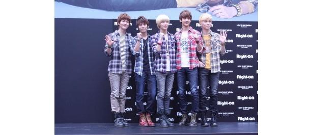 SHINeeのメンバー(左から)オンユ、ジョンヒョン、テミン、ミンホ、キー